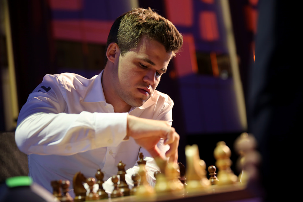 Grand Chess Tour Paris 2016 Blitz Day 1 Results and Standings